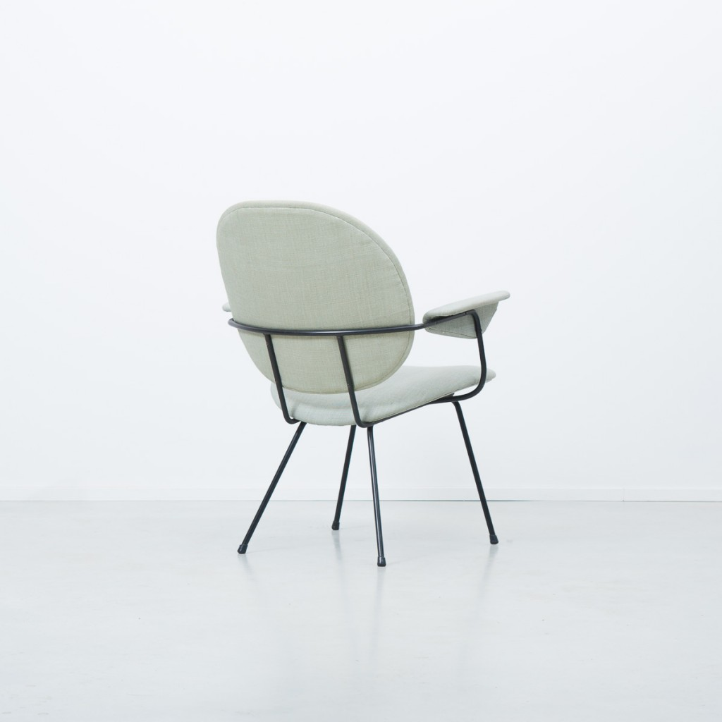 WH Gispen Fauteuil 302 oval chair