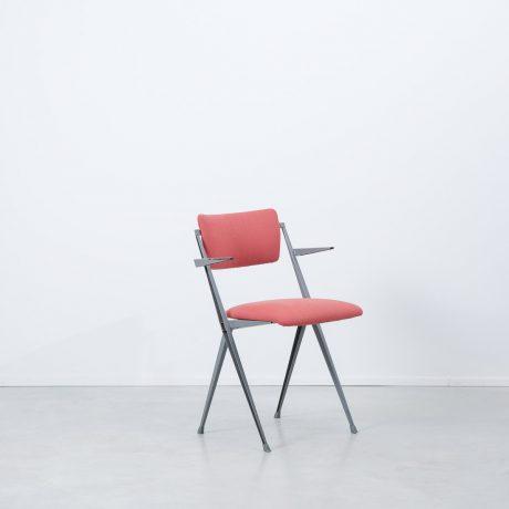 Wim Rietveld pyramid chair