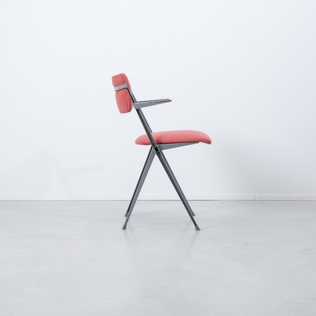 Wim Rietveld pyramid chair