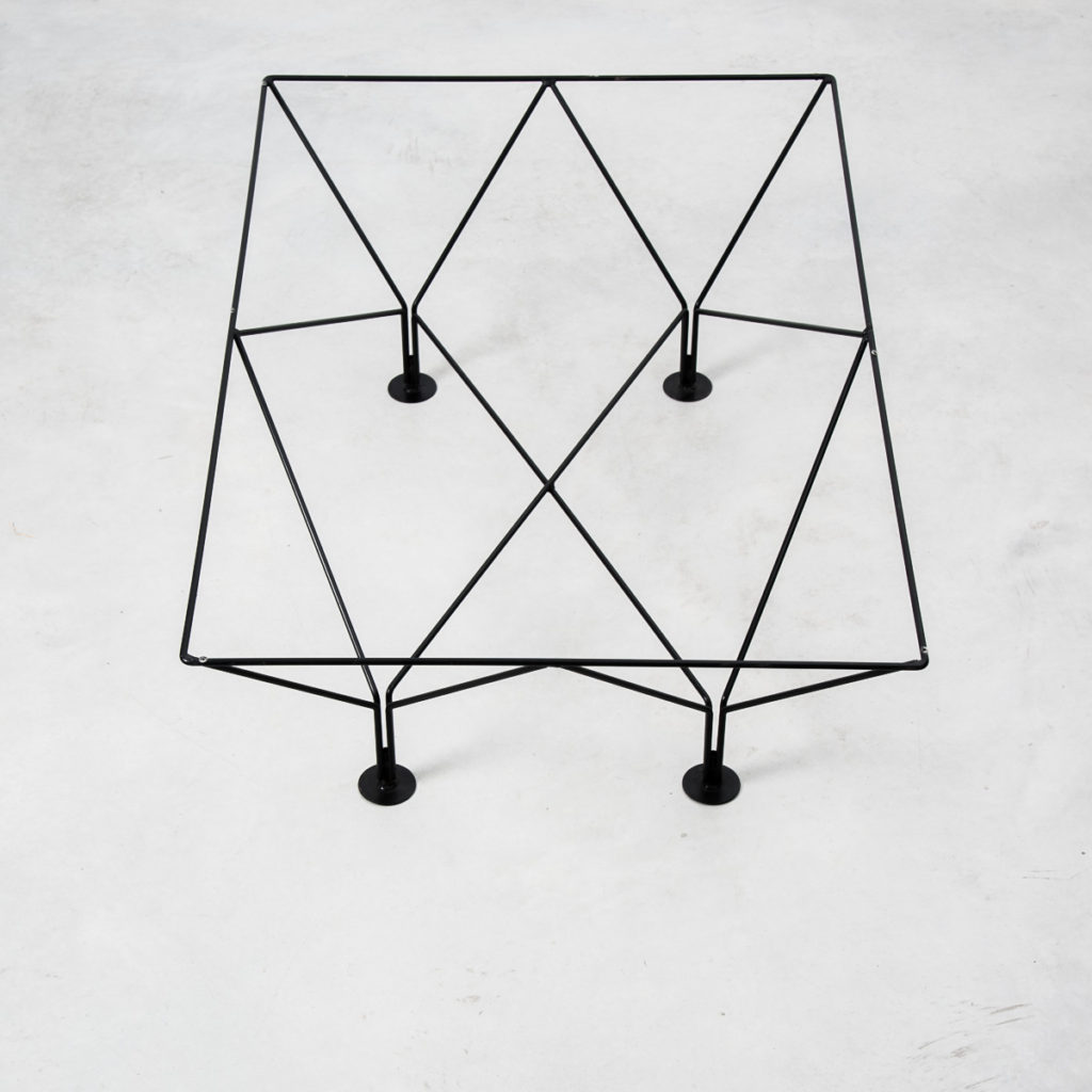 Alternative Piva wire frame table