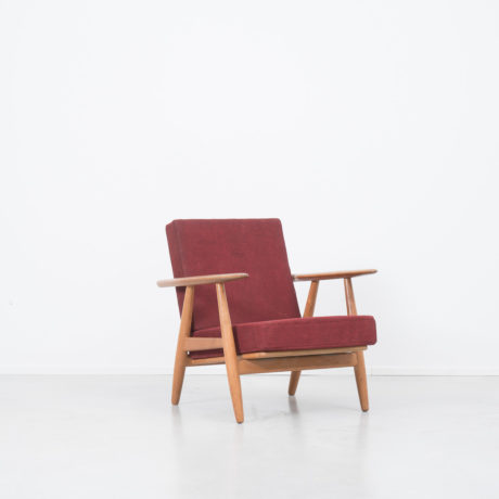 Hans J Wegner cigar chair