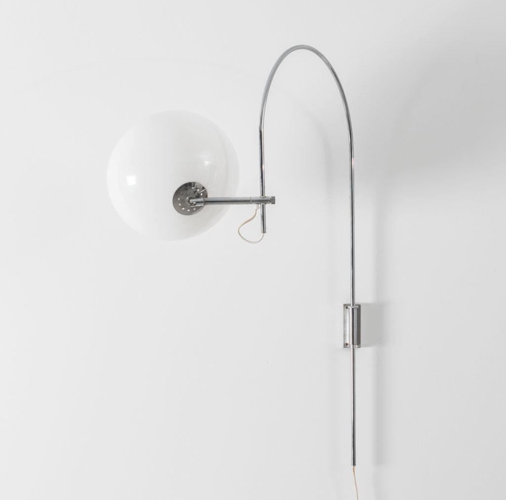 Djikstra white globe wall lamp