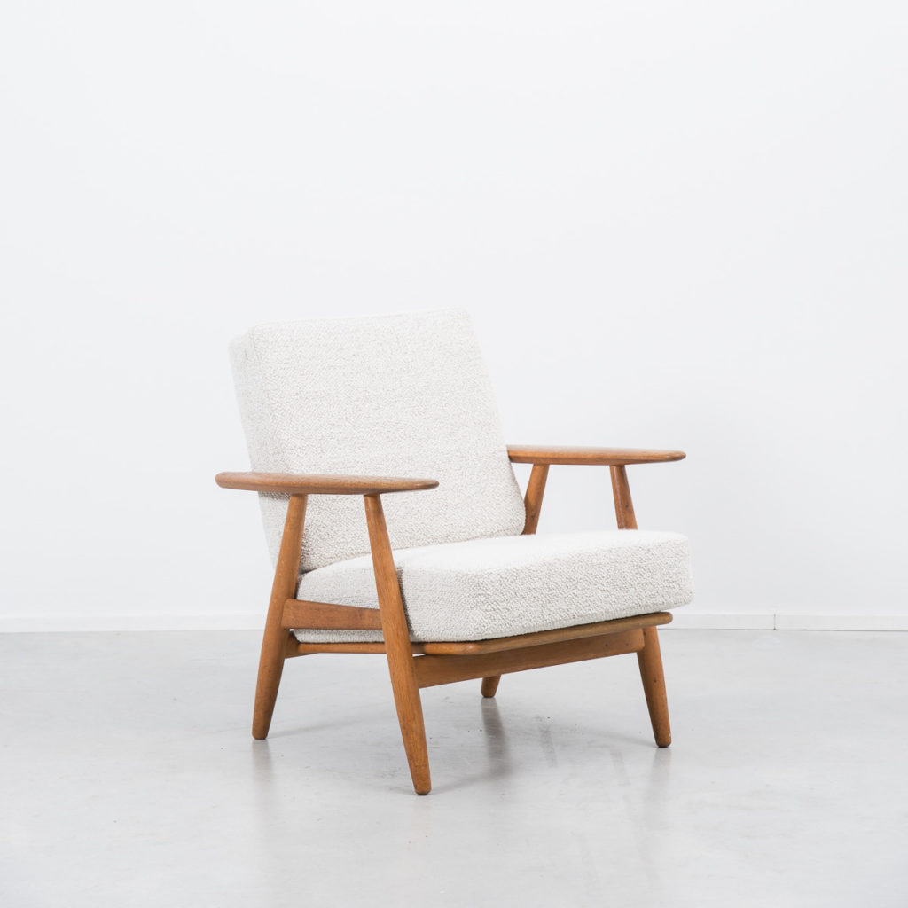 Hans J. Wegner Ge240 Cigar chair