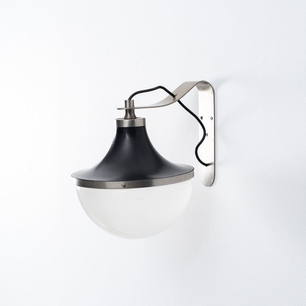 Sergio Mazza Pi wall lamp