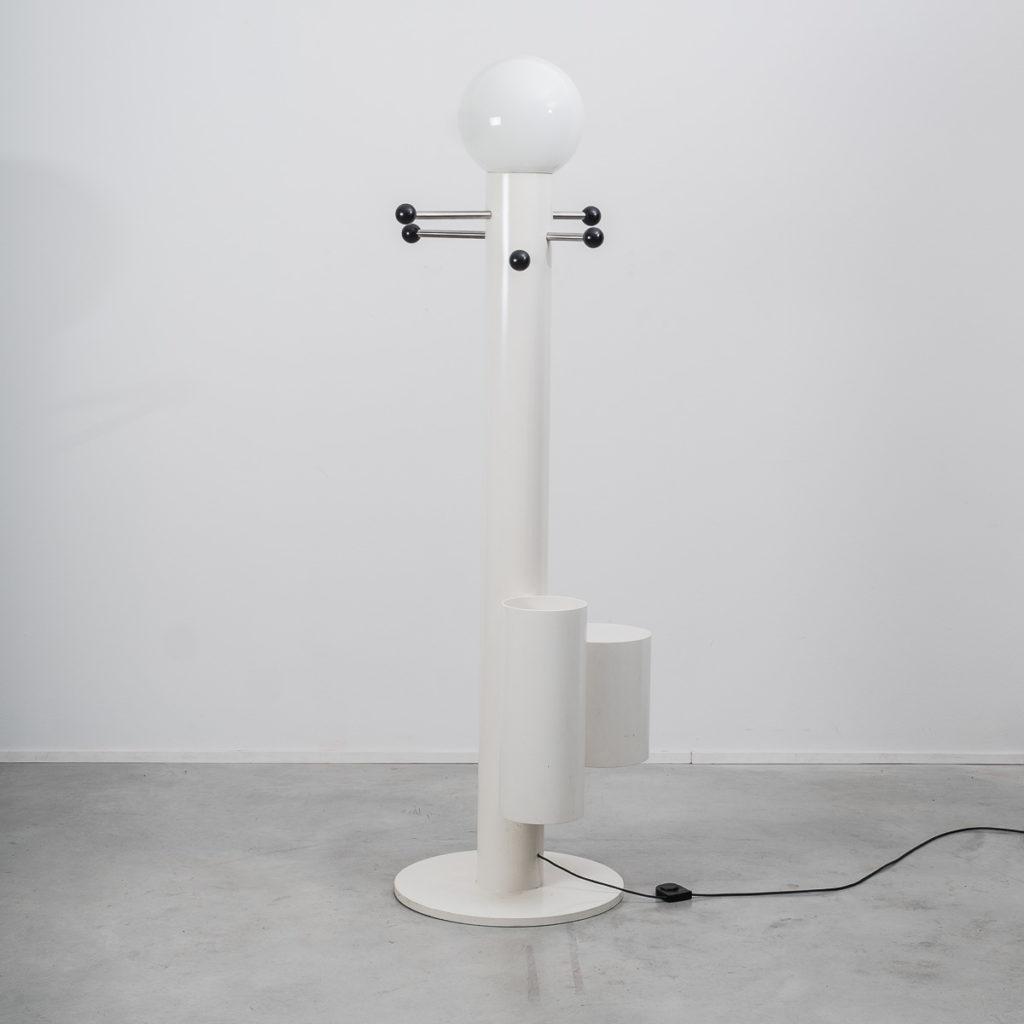 Close Encounter lamp & coat stand