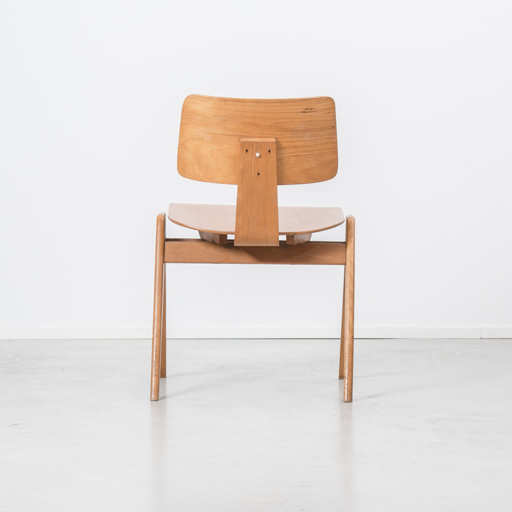 Robin Day Hillestak chair