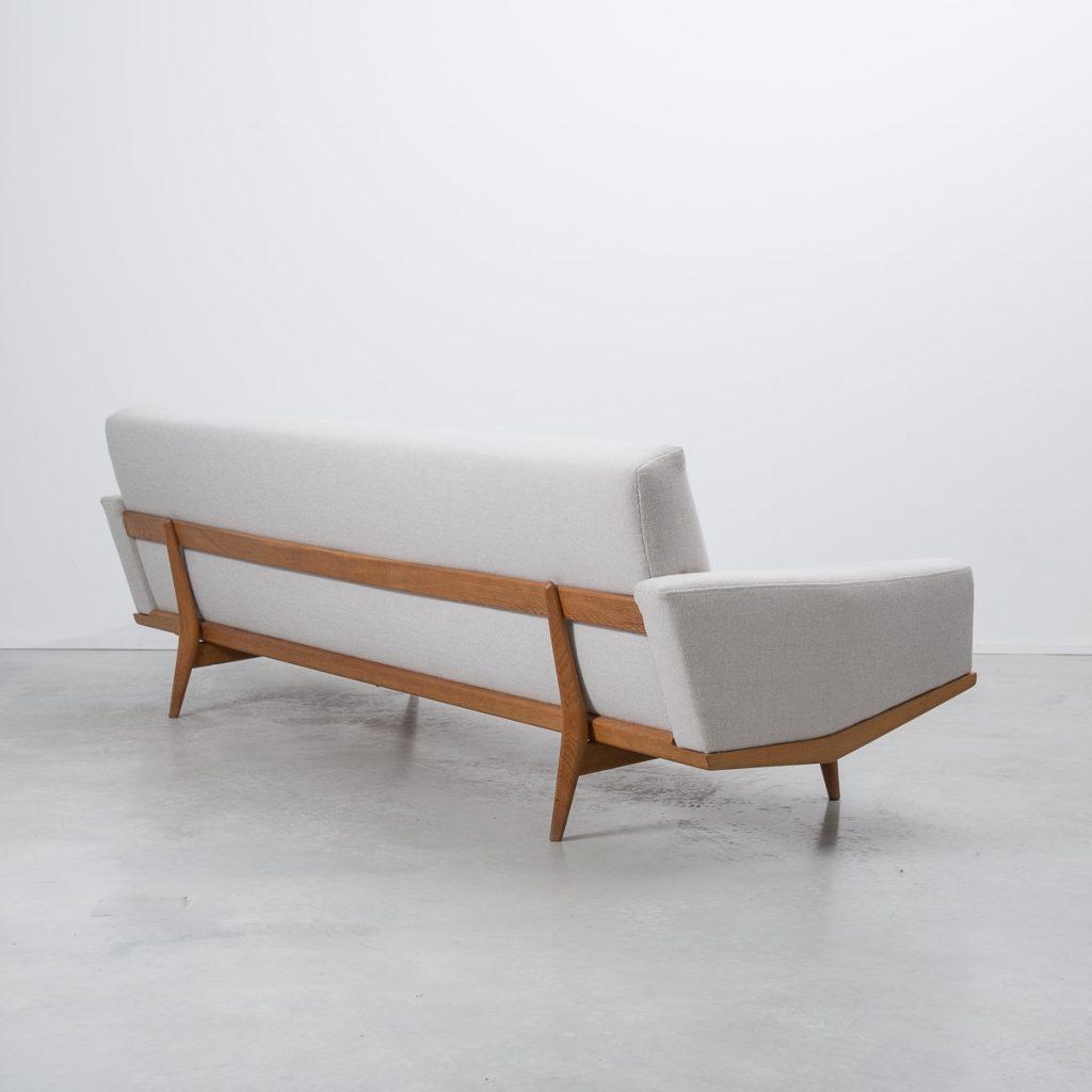 H W Klein 221 sofa