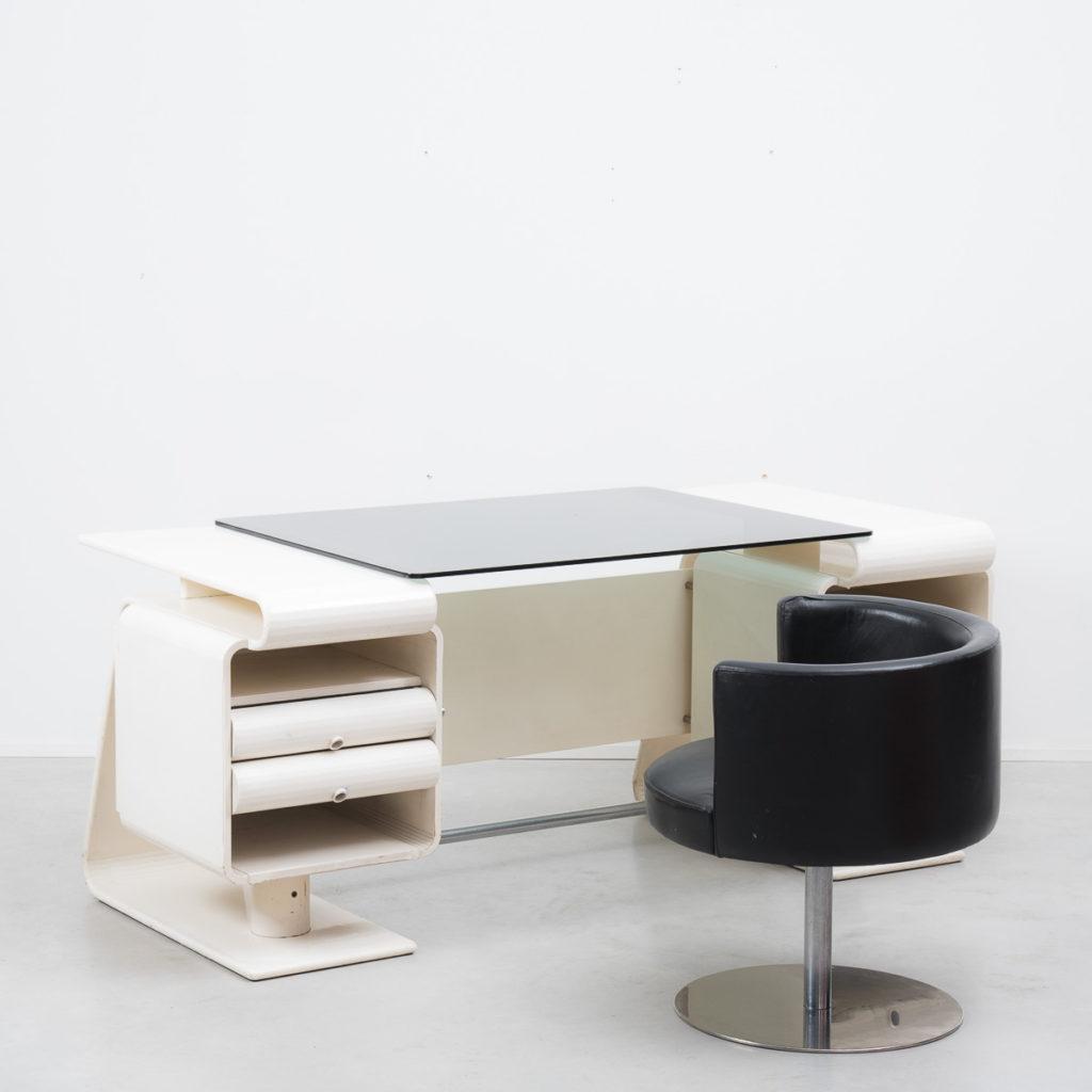 An Italian postmodern desk & chair