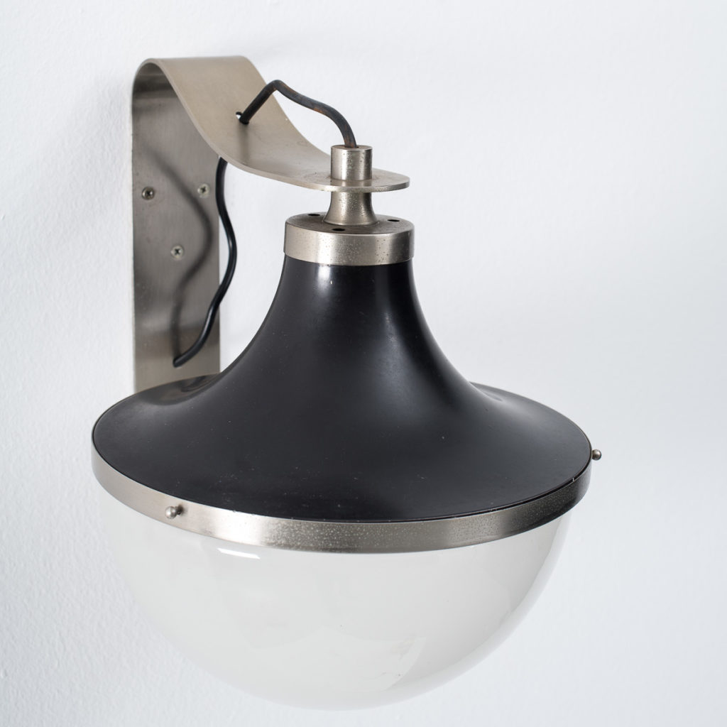 Sergio Mazza Pi wall lamp