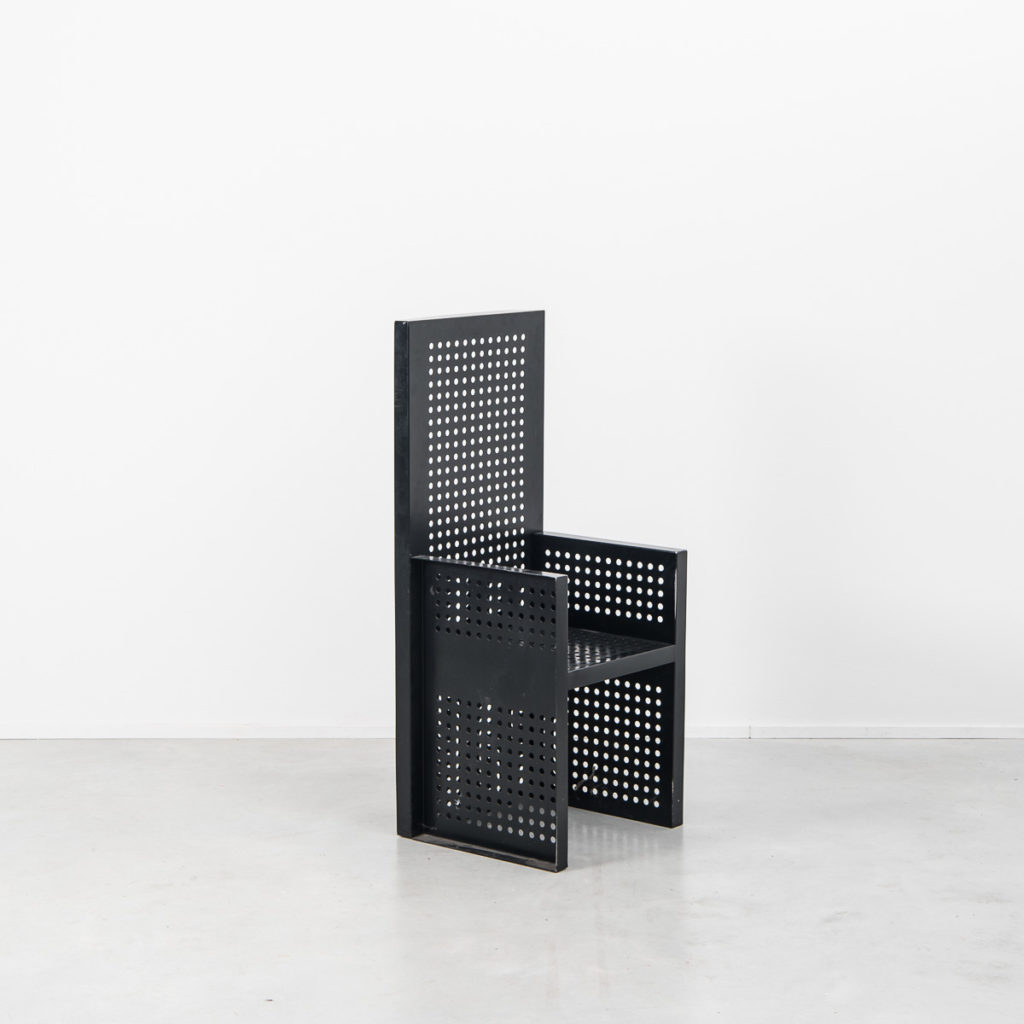 Urano Palmaperforated metal chair