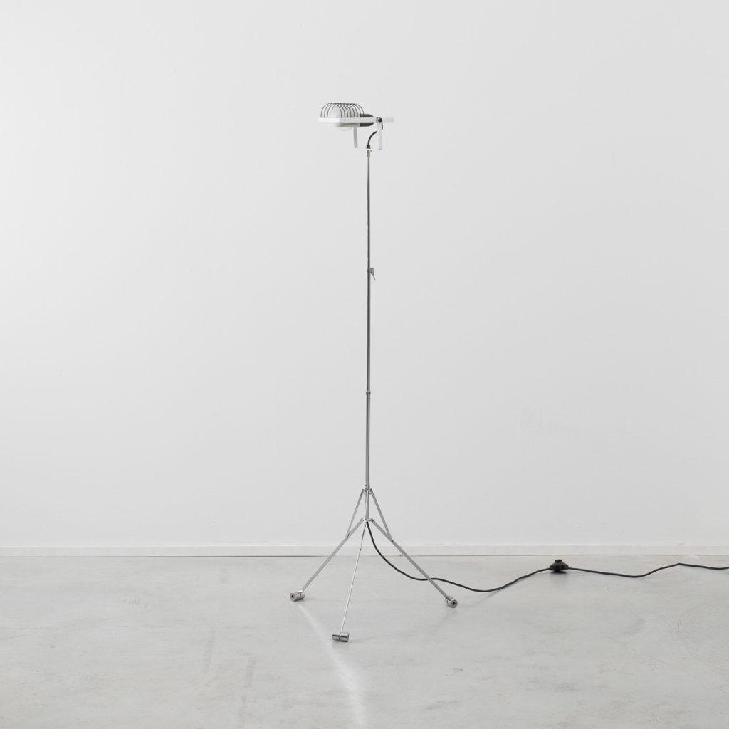 Ernesto Gismondi tripod Sintesi lamp