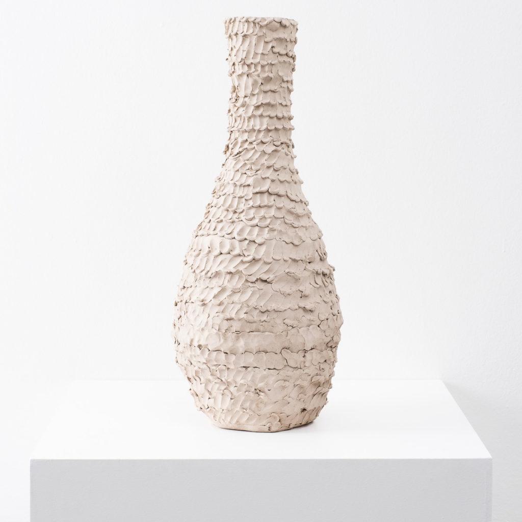 Ceramic vessel by Su Rogers