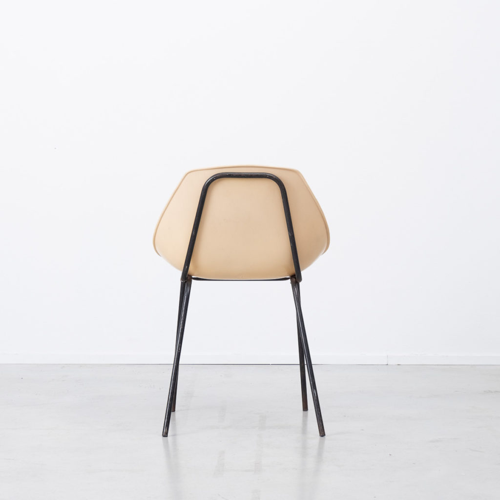Pierre Guariche Coquillage fibreglass chair