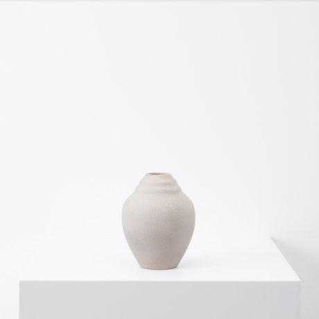 Ceramic vase with textured glaze