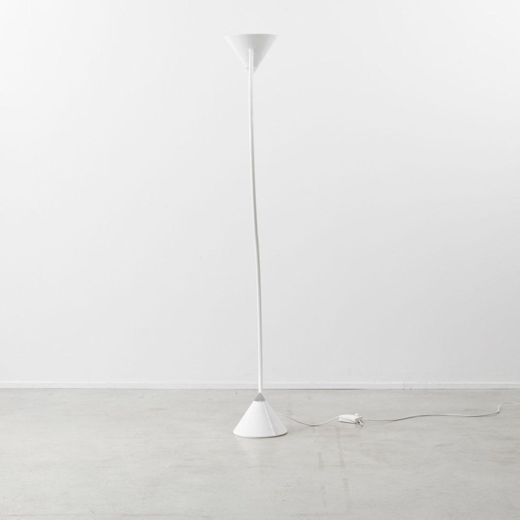Gary Morga white Yang lamp