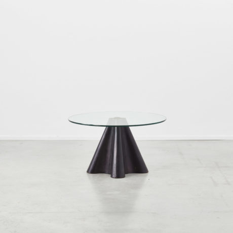 Oscar Tusquets Trebol side table