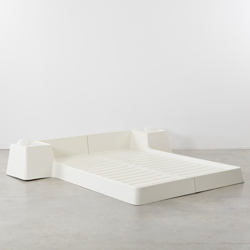 Marc Held fibreglass bed
