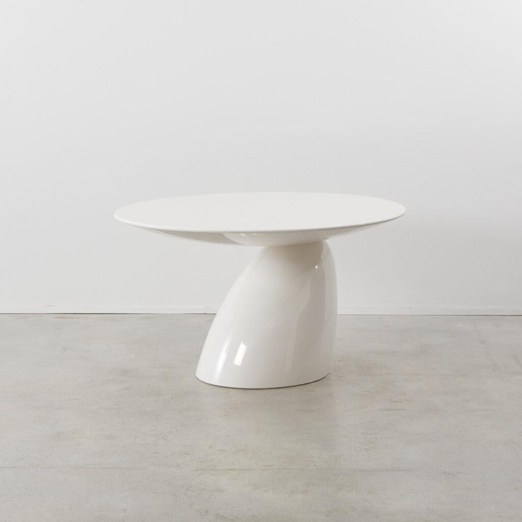 Eero Aarnio Parabel dining table