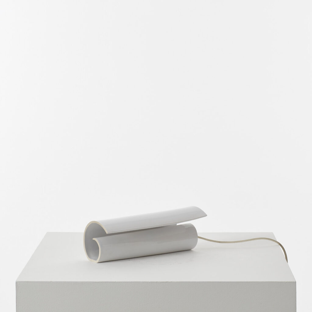 Ceramic scroll shaped lamp