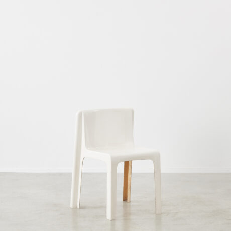 Gerard Le Fe fibreglass chair